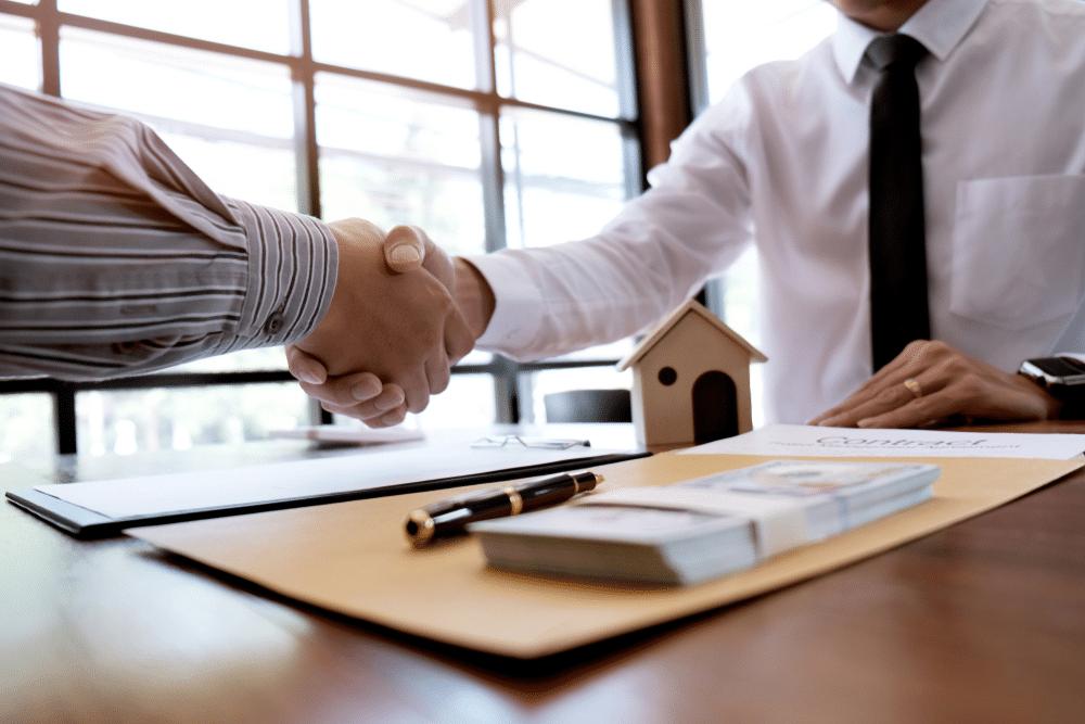 Como encontrar o melhor empréstimo com restrição