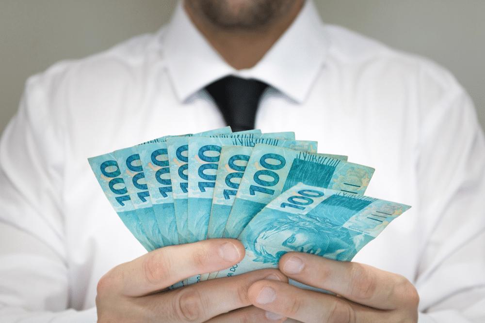 Empréstimo usando salário ou renda