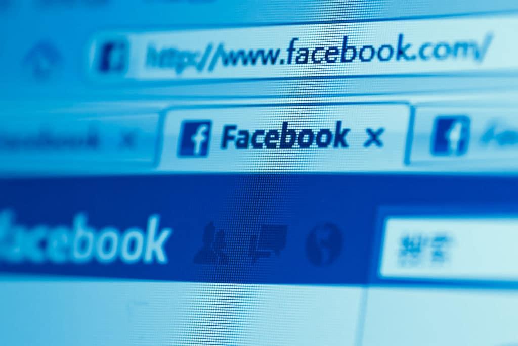 Facebook aperta regras políticas de anúncios, mas é suficiente?