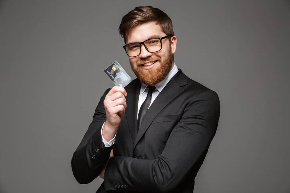 benefícios dos cartões de débito para funcionários